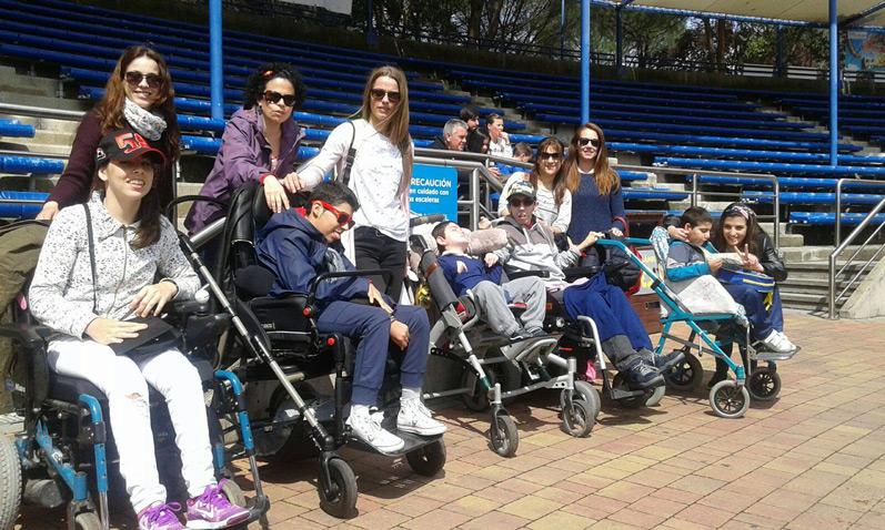 apace-voluntarios-ayuda a la parálisis cerebral Talavera